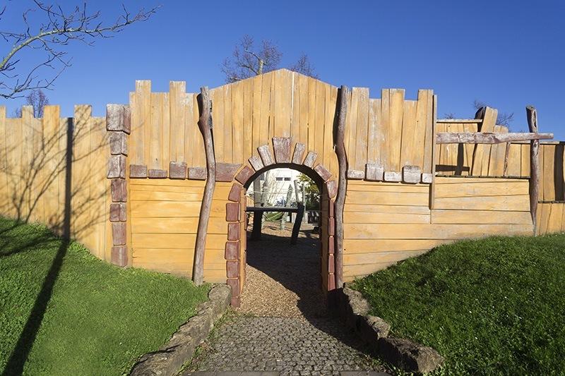 Eingang zum Spielplatz Mohrenäcker - Landschaftsarchitektur