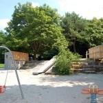 Kletterfelsen mit Rutschban - Landschaftsarchitektur